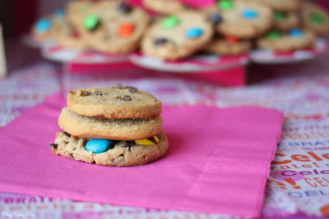 Stacked cookies for a cookie sandwich bar