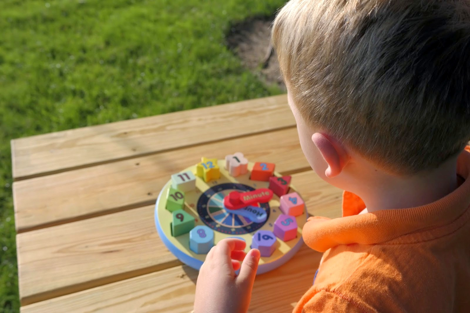 TEACHING TIME TO YOUR PRESCHOOLER