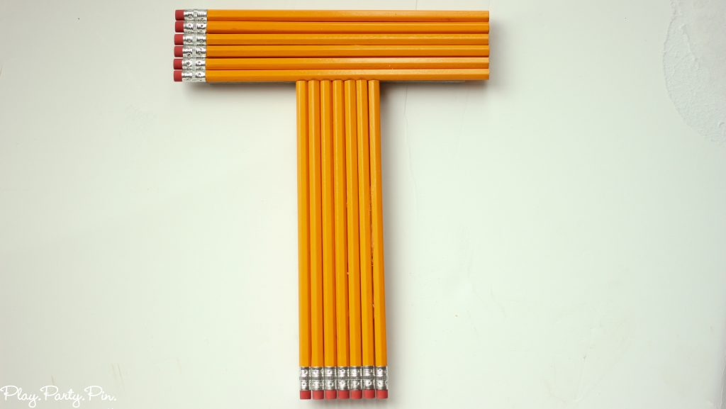 Back-to-school-party-decoration-pencils (1 of 1)