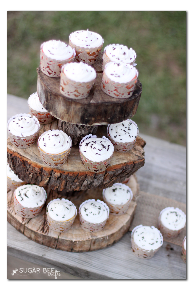 rustic wedding party cupcakes