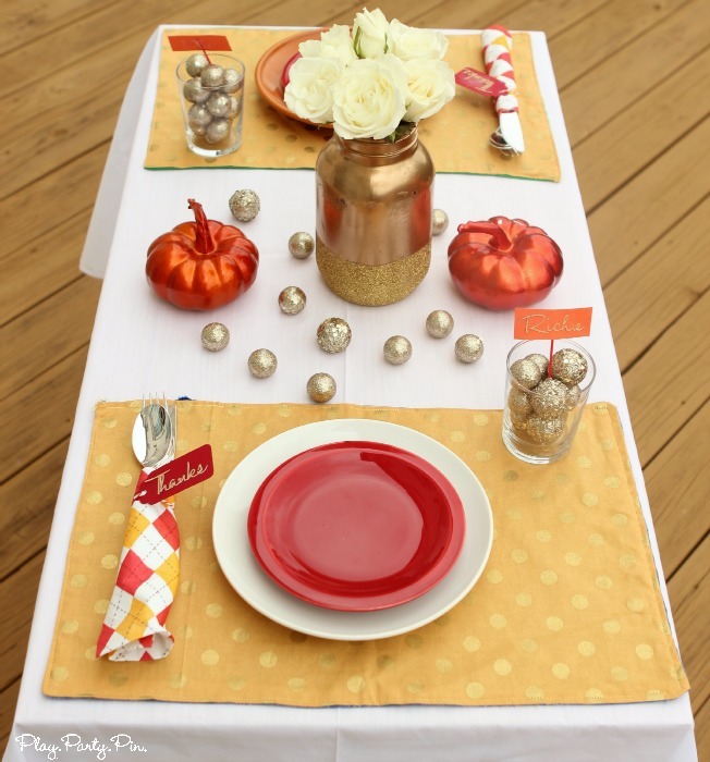 Easy Thanksgiving tablescape made from the things you have around the house