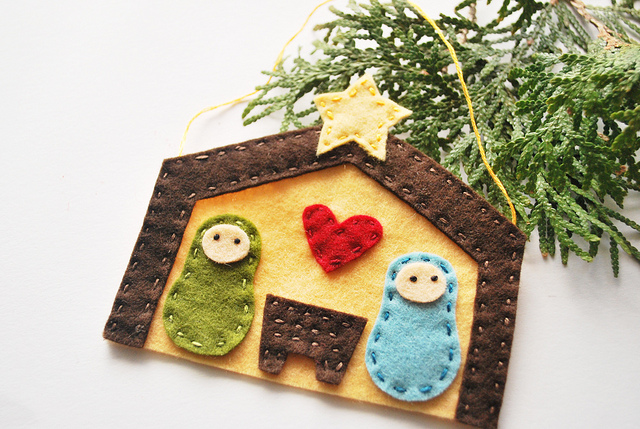 nativity felt ornament