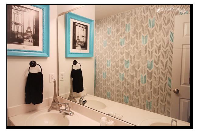 bathroom arrow stencil