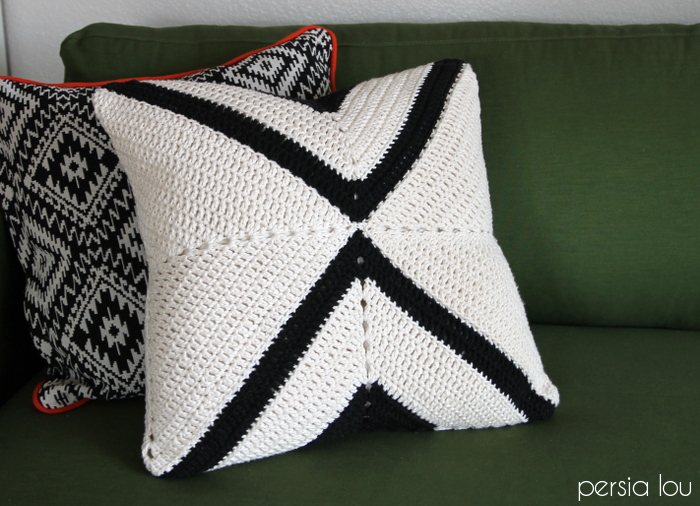crochet x pillow www.persialou.com 13