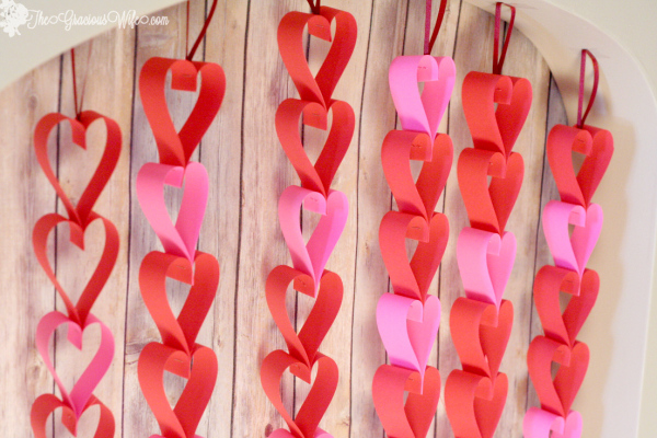 valentines-day-heart-paper-garland-17