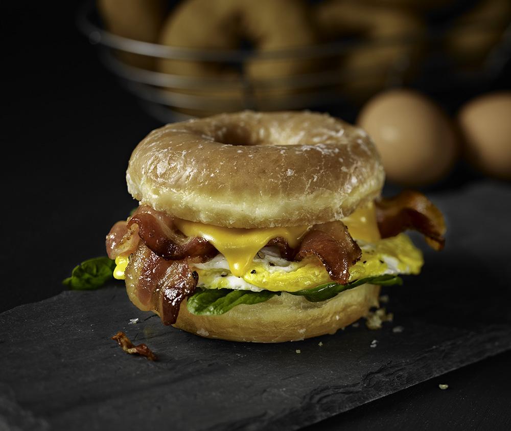 BaconDonutBreakfastSandwich_v2_41354