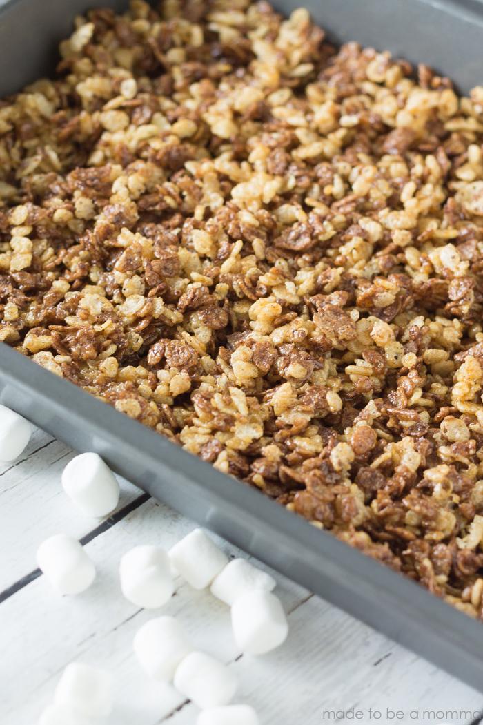 Cocoa Pumpkin Marshmallow Treats-4