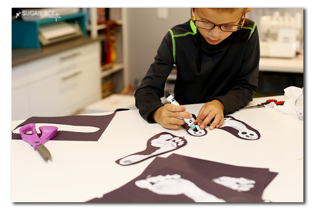 making ghosts kids craft