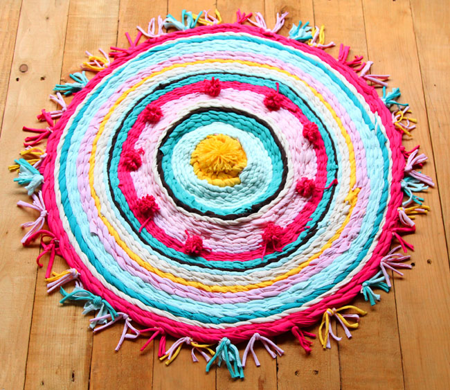 Make_t_shirt_rag-_rug_apieceofrainbowblog-210