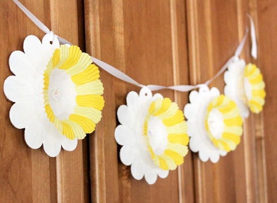 daffodils-on-a-banner1