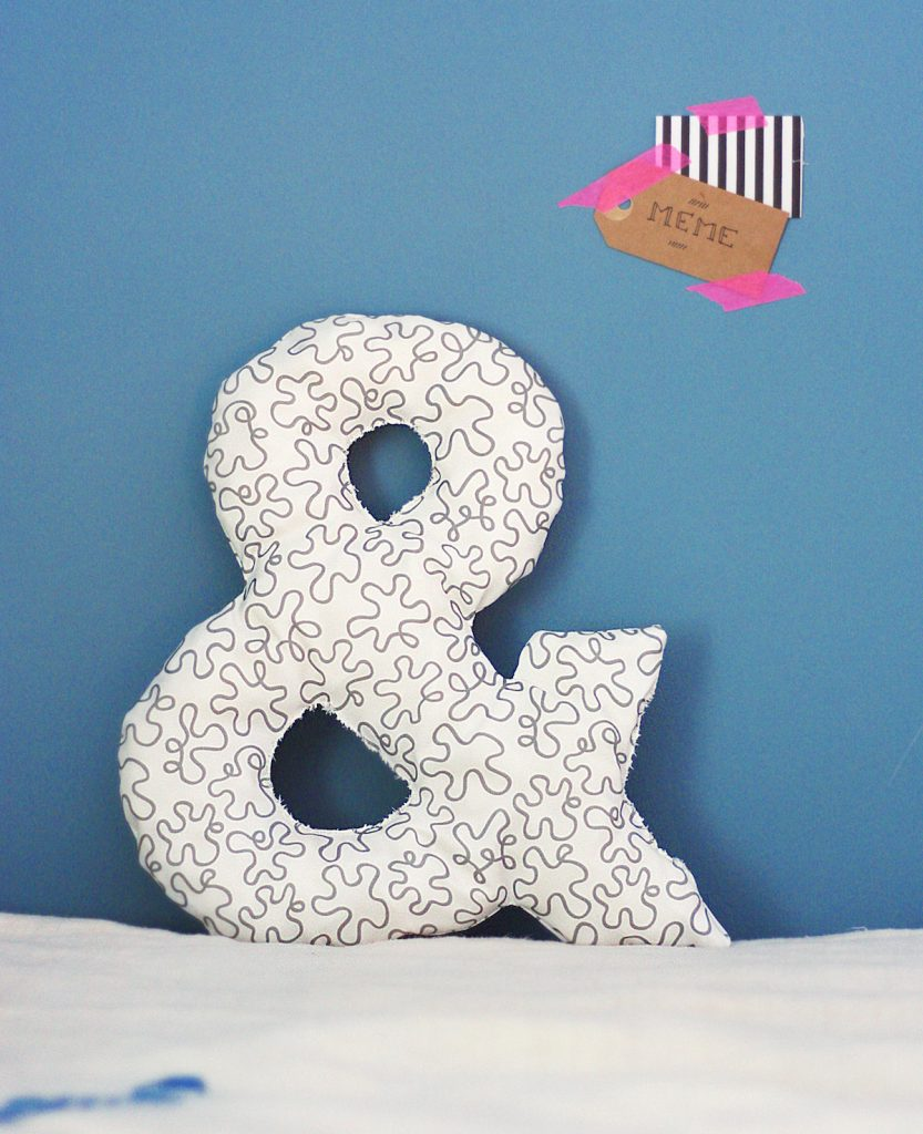 diy-ampersand-pillow-feat-e1443554449146