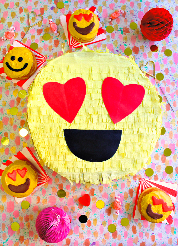 DIY-ValentinesDay-Emoji-Pinata1