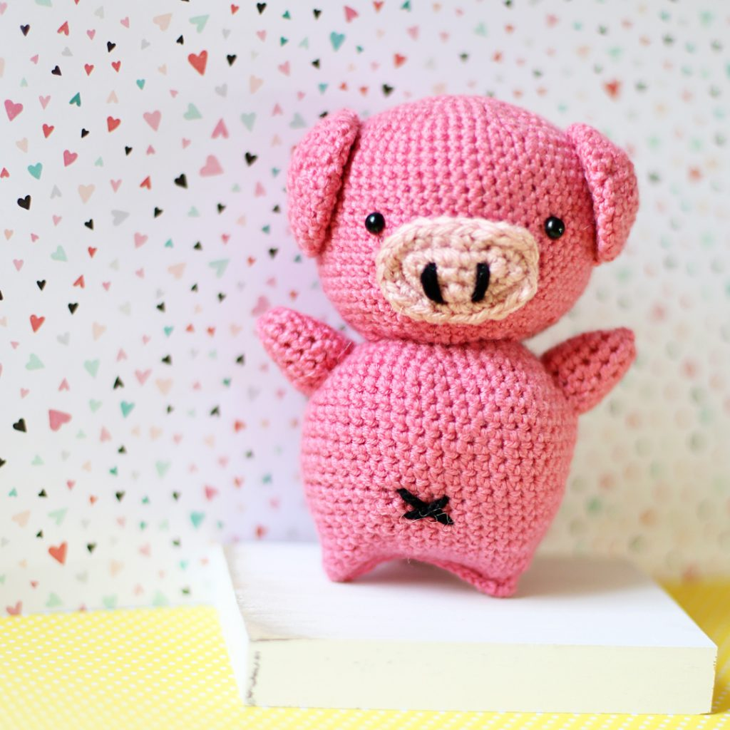 Crochet Pig Amigurumi - Sugar Bee Crafts