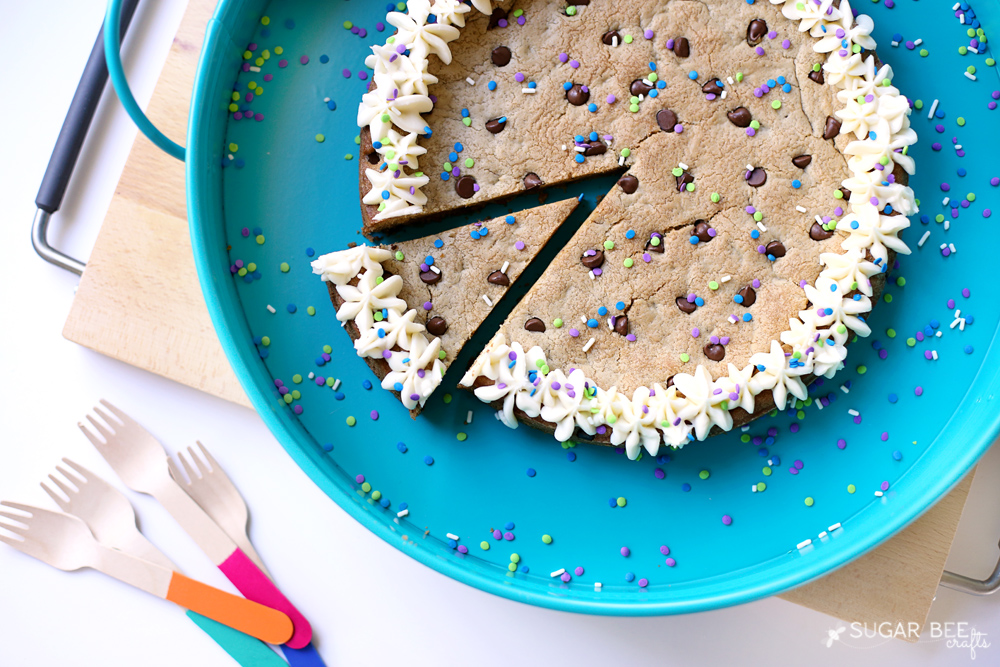 make-your-own-cookie-cake