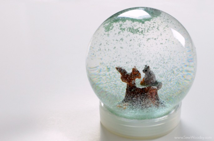 winter-snow-globe-1