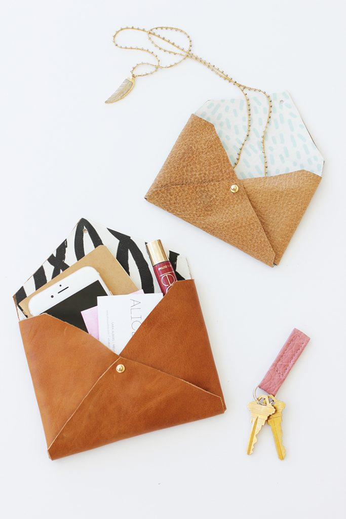 diy-leather-envelope-clutch-1