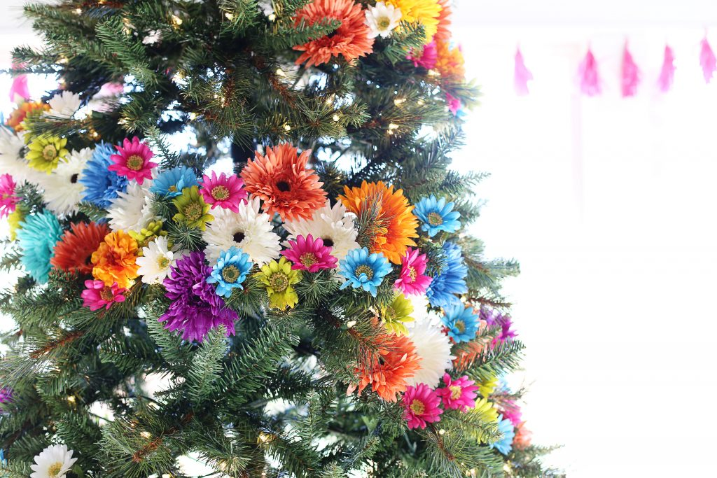 floral-christmas-tree-idea