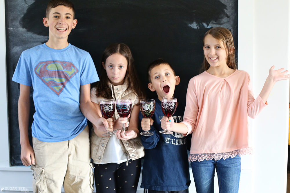 kids-craft-idea-new-years-glasses