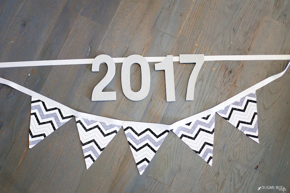 No Sew New Years Banner by Mandy Beyeler