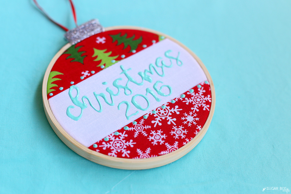 puff-paint-embroidery-hoop-ornament