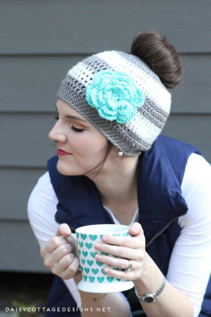 ponytail-hat-crochet-pattern-683x1024