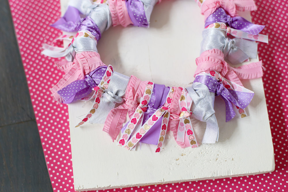 ribbon wreath detail