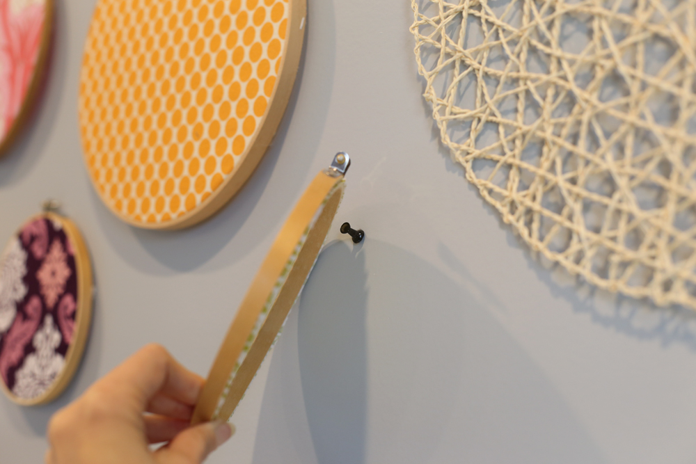 how to hang a fabric hoop wall art