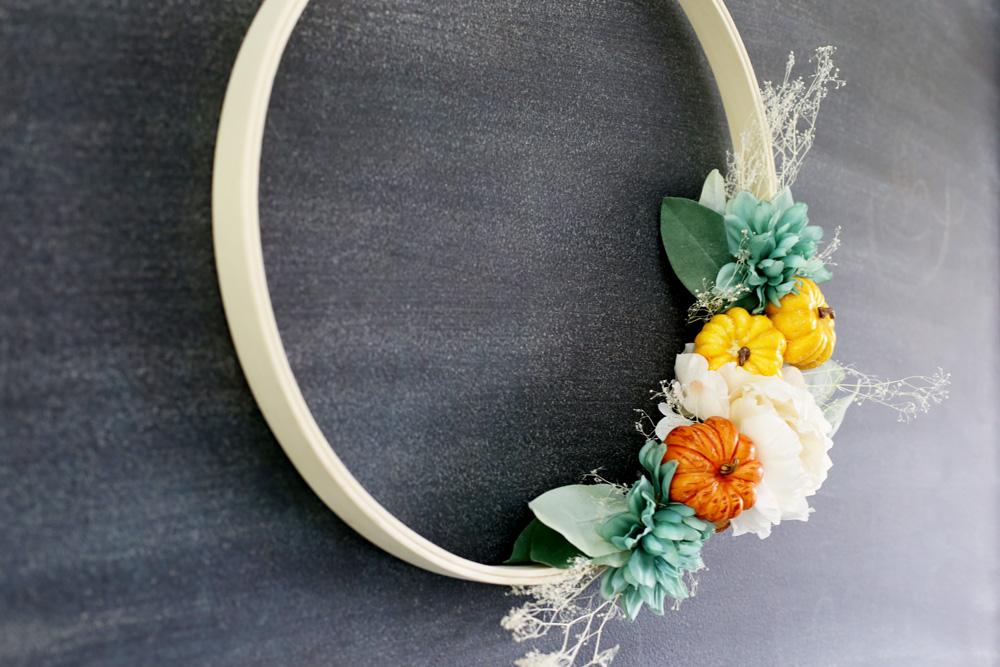 fall wreath decor tutorial hoop